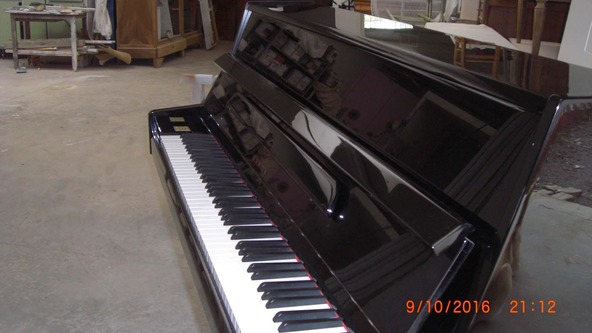 piano droit d occasion samick l 39 artisan du piano st martin de fraigneau. Black Bedroom Furniture Sets. Home Design Ideas
